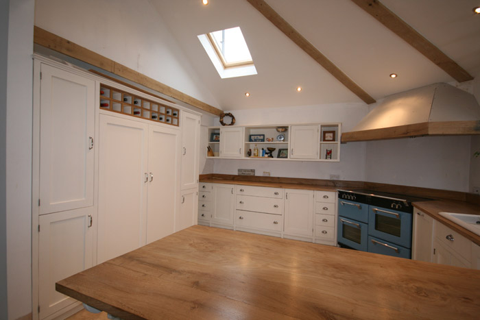 images/PROJECTS/Kitchens/BespokeKitchen01_700.jpg