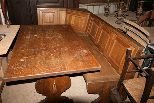 For SALE :Old Oak Table with matching Corner Bench