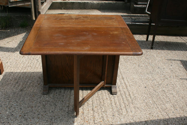 For Sale Oak Double Leaf Dining Table